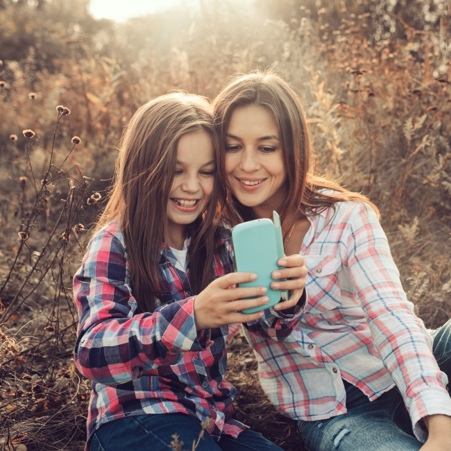 how to stay involved with your child's online life