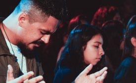 young people praying